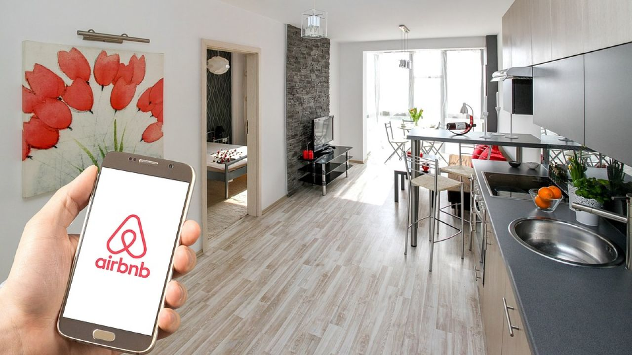 Airbnb is offering virtual experiences to keep you entertained home